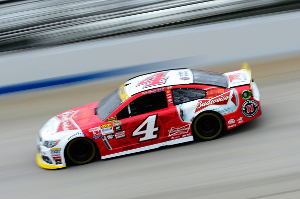 Kevin Harvick, driver of the #4 Budweiser/Jimmy John's Chevrolet, drives during practice for the NASCAR Sprint Cup Series AAA 400 at Dover International Speedway on October 3, 2015 in Dover, Delaware. (Photo by Jeff Curry/Getty Images)