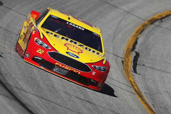 HAMPTON, GA - FEBRUARY 27:  Joey Logano, driver of the #22 Shell Pennzoil Ford, practices for the NASCAR Sprint Cup Series Folds of Honor QuikTrip 500 at Atlanta Motor Speedway on February 27, 2016 in Hampton, Georgia.  (Photo by Matt Hazlett/Getty Images)