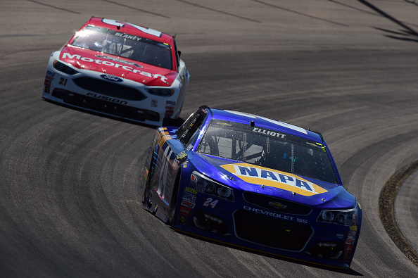 Ryan Blaney and Chase Elliot race during the NASCAR Sprint Cup Series Good Sam 500 at Phoenix International Raceway on March 13, 2016 in Avondale, Arizona.