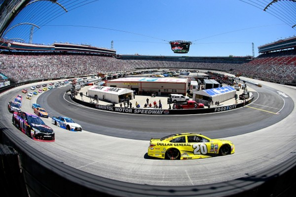 Matt Kenseth leads during the NASCAR Sprint Cup Series Food City 500 at Bristol Motor Speedway on April 17, 2016 in Bristol, Tennessee.