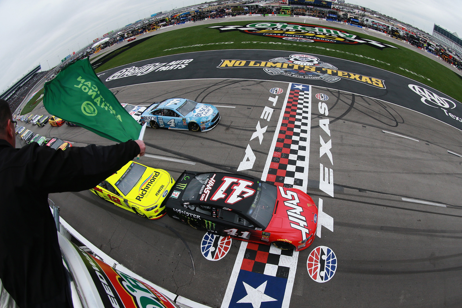 The nascar o reilly auto parts 500 at texas motor speedway for Starting lineup texas motor speedway
