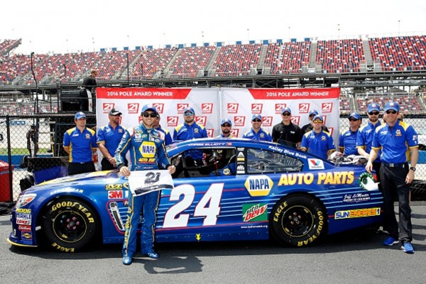 Chase Elliott and his crew celebrates  after winning the pole for the NASCAR Sprint Cup Series GEICO 500 at Talladega Superspeedway on April 30, 2016 in Talladega, Alabama.