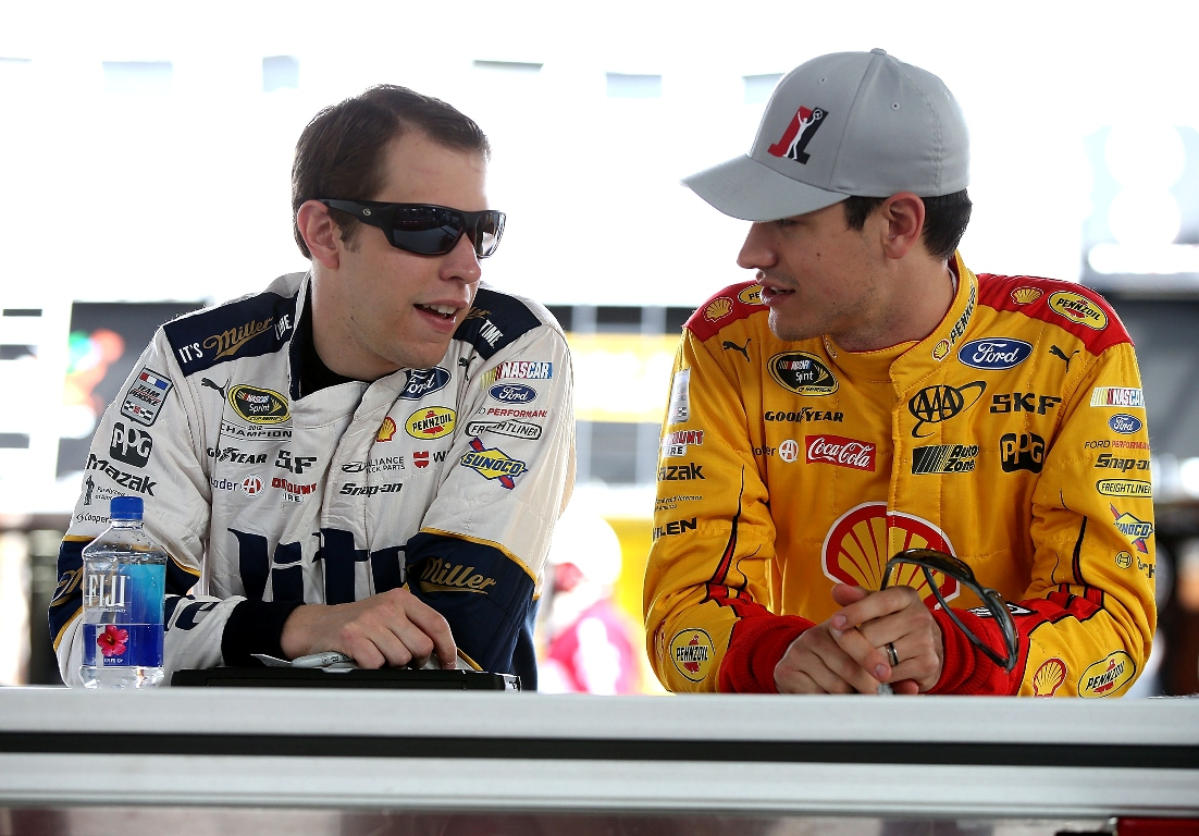 Brad Keselowski (L) and Joey Logano (Getty Images)