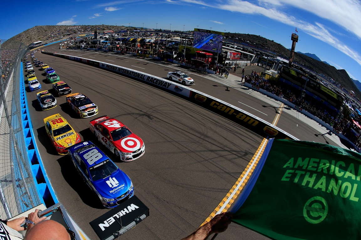 Alex Bowman, driver of the #88 Nationwide Chevrolet, leads the field to the green flag to start the NASCAR Sprint Cup Series Can-Am 500 at Phoenix International Raceway on November 13, 2016 in Avondale, Arizona.  (Getty Images)