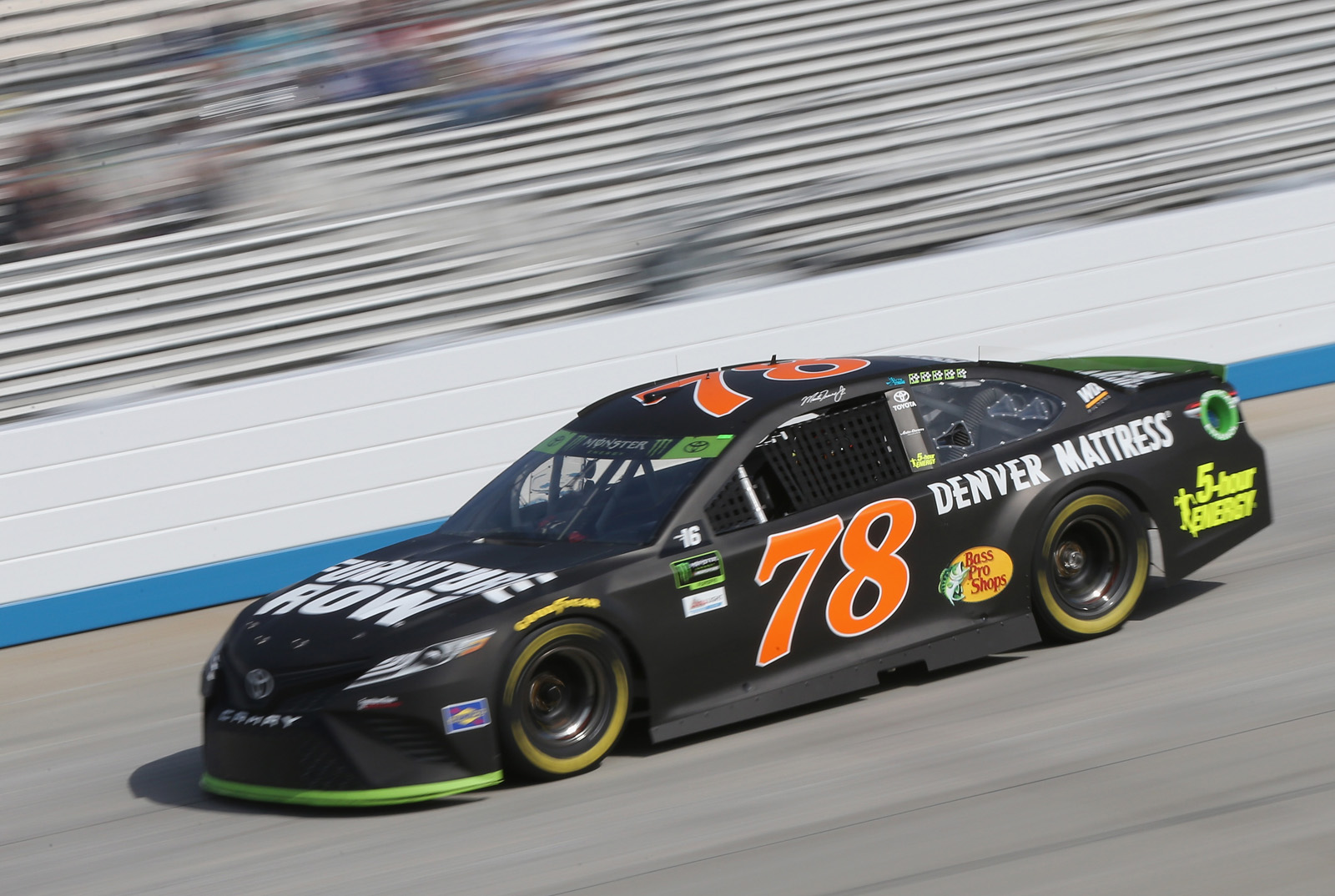 Monster Energy NASCAR Cup Series Apache Warrior 400 presented by Lucas Oil – Qualifying