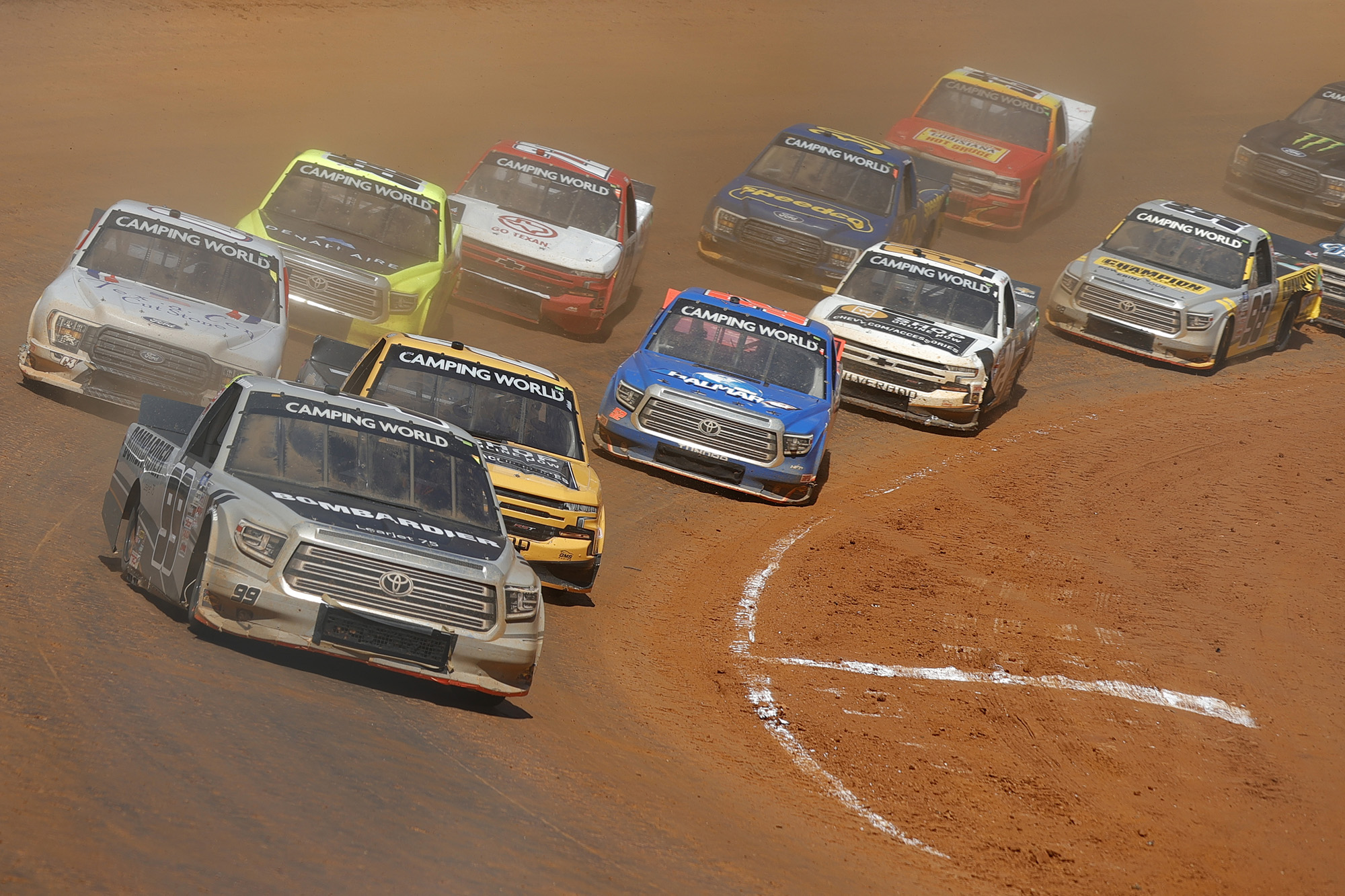 NASCAR Camping World Truck Series Pinty's Truck Race on Dirt