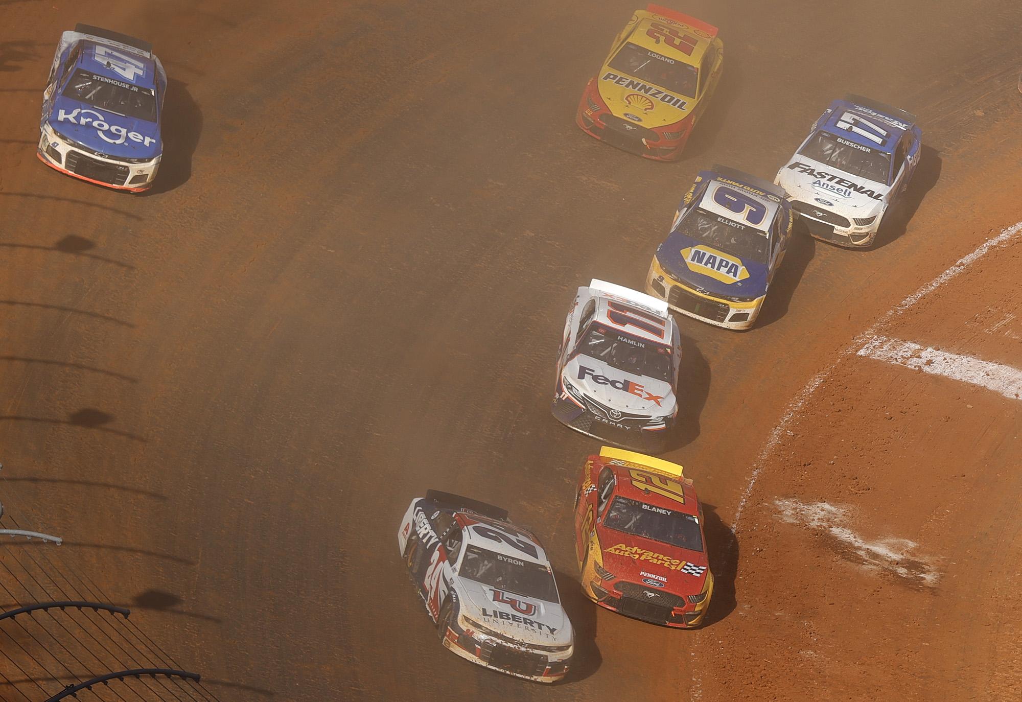 NASCAR Cup Series Food City Dirt Race